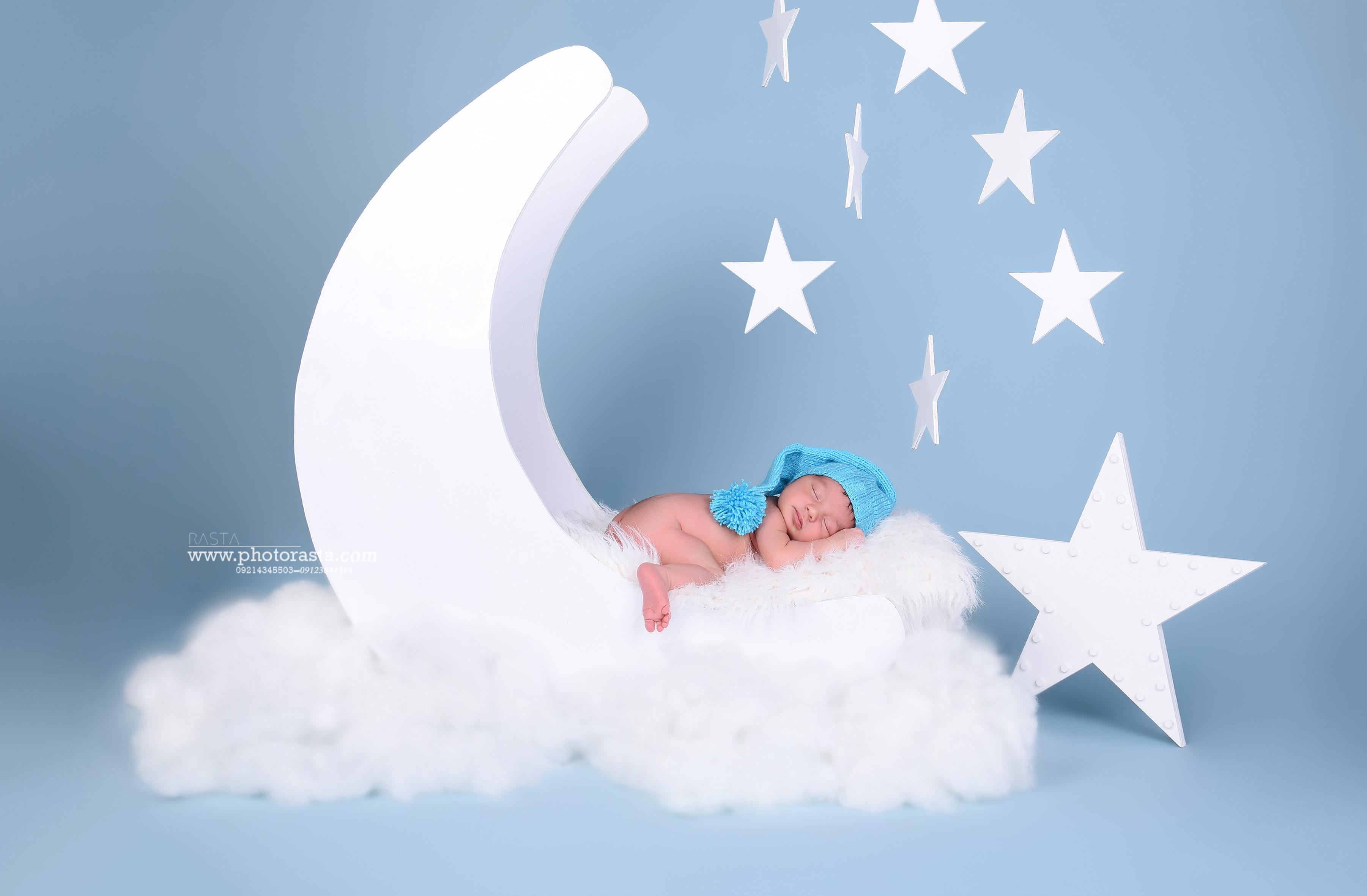 نمونه کار نوزاد با تم ماه و ستاره