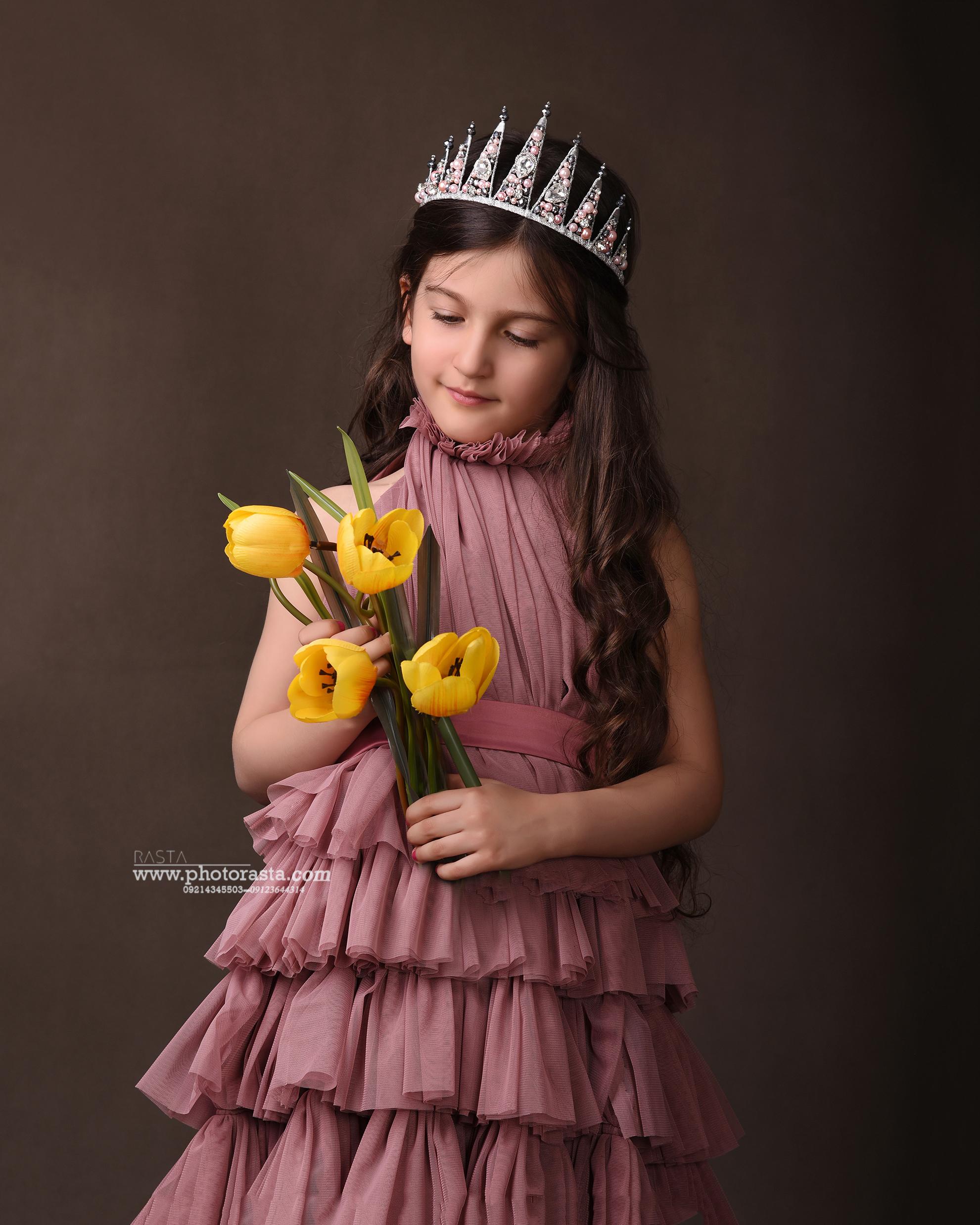 نمونه کار کودک با تم ملکه