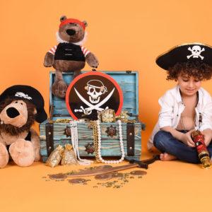 نمونه کار کودک با تم دزد دریایی